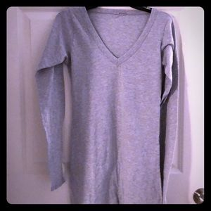 LAmade basic grey V-neck long sleeve shirt